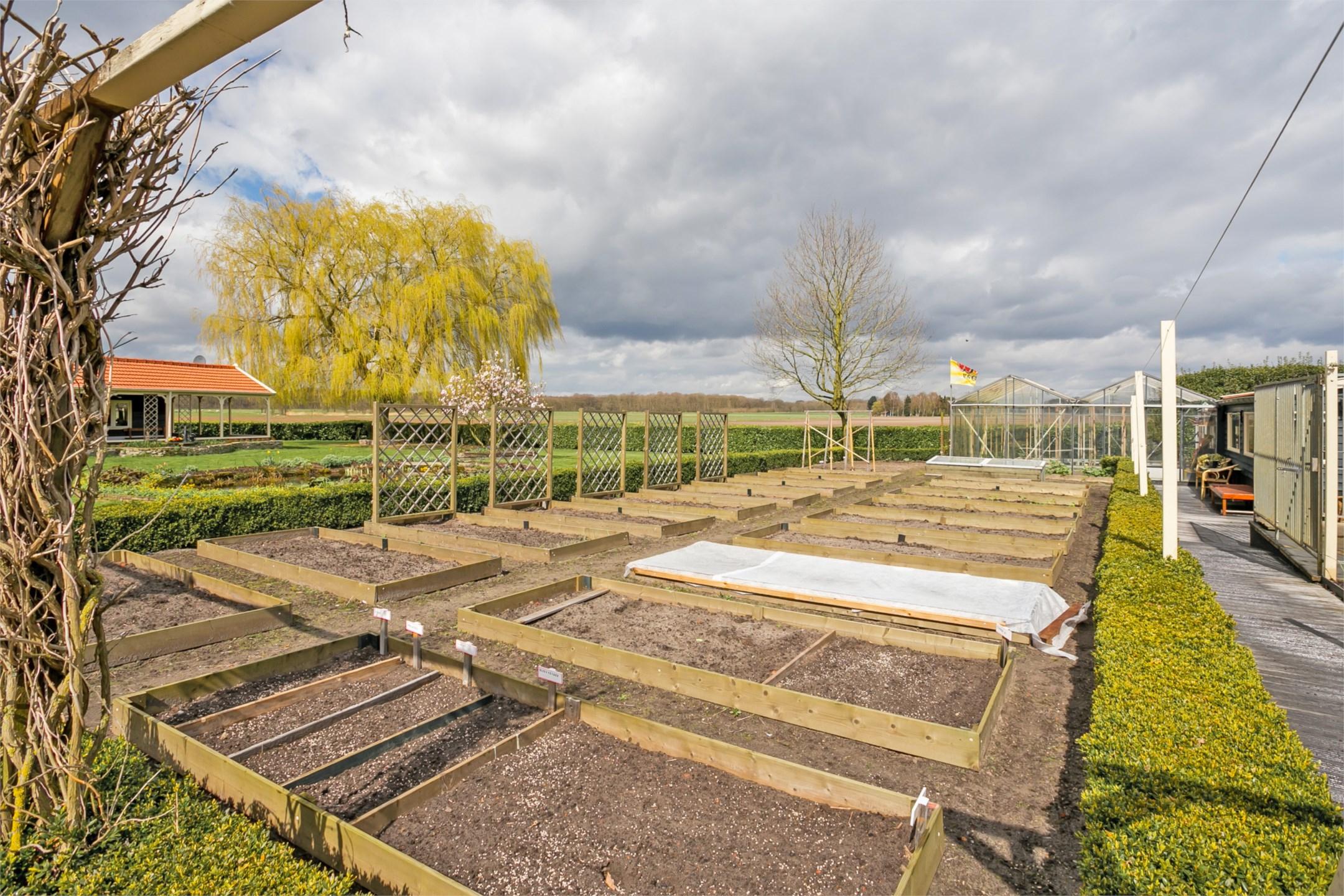 Unieke woning uitgelicht woonboerderij te bergen op zoom for Woonboerderij te koop